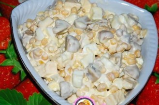 Салат с консервированными шампиньонами и яйцами рецепт с
