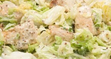 Новогодний рецепт салата с копченой курицей