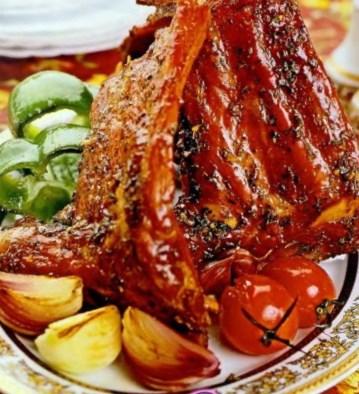 Новогодний рецепт свиных ребрышек в медовой глазури