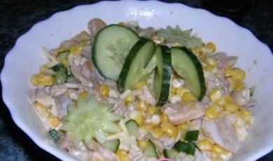 Новогодний рецепт салата из кукурузы и шампиньонов