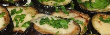 Новогодний рецепт баклажанов с чесноком и зеленью