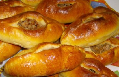 Рождественский рецепт расстегаев с грибами и рисом
