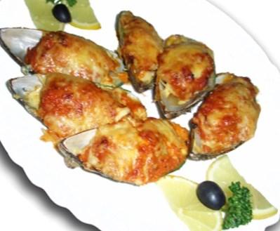 Рецепт на 14 февраля - романтическая закуска из мидий запеченных с сырным соусом
