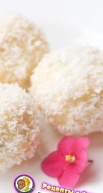 Рецепт на 14 февраля - Творожные кнедлики с бананом, шоколадом и кокосовой стружкой