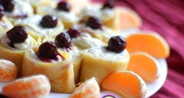 Рецепт блинов с вишней и творогом - блины на Масленицу