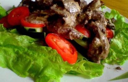 Рецепт на 8 марта - Салат с печенью и шампиньонами