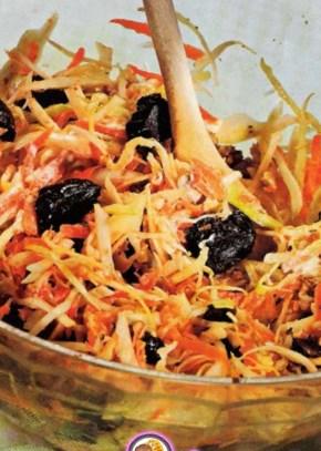 Рецепт постного капустного салата с черносливом
