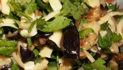 Рецепт баклажанового салата с яйцами