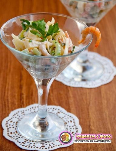 Рецепт - Салат с креветками и сыром