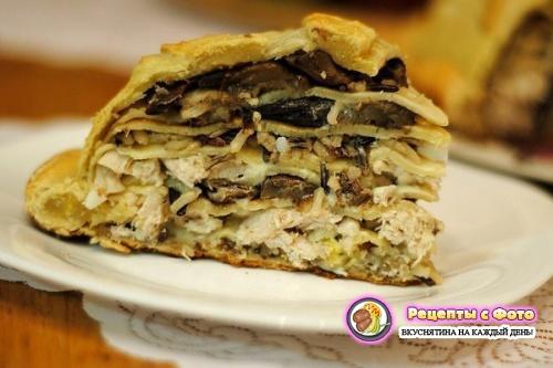 Рецепт - Слоеный праздничный пирог курник