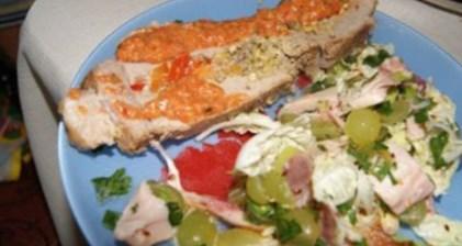 Рецепт - Свинина, шпигованная фисташками и сладкими перцами