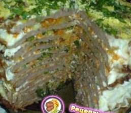 Печеночный торт, два мясных торта и бутербродный торт