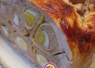 Рецепт - Курица, фаршированная свининой, блинами и яйцами