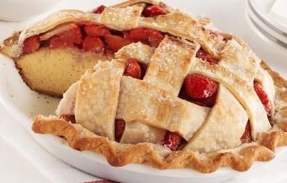 Рецепт кексового пирога с клубникой