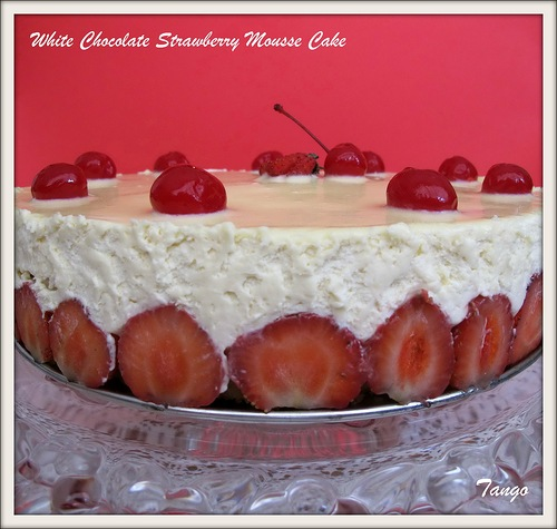 ���� � ��������� � ������ �� ������ �������� - White Chocolate Strawberry Mousse Cake