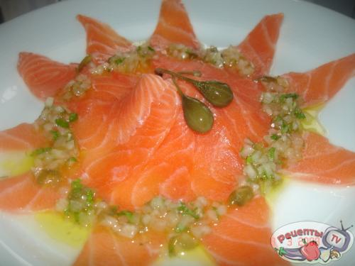 Красная рыба на овощной подушке – кулинарный рецепт