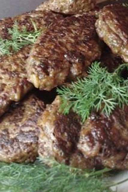 Блюдо из курицы и грибов на сковороде рецепт
