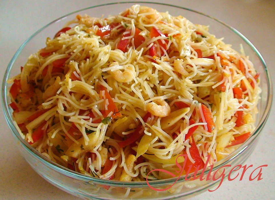 Весенний салат из редиски с яйцом и огурцом рецепт с фото ...