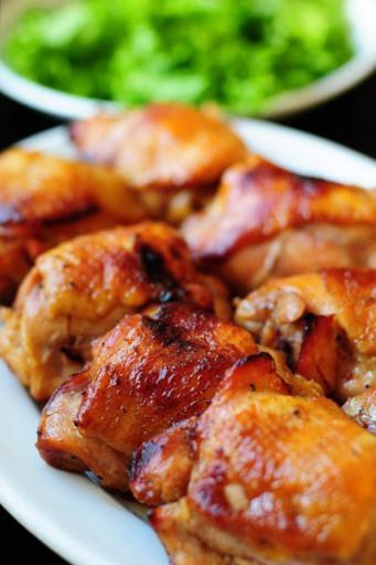 рецепт куриные бедра с грибами в духовке с фото