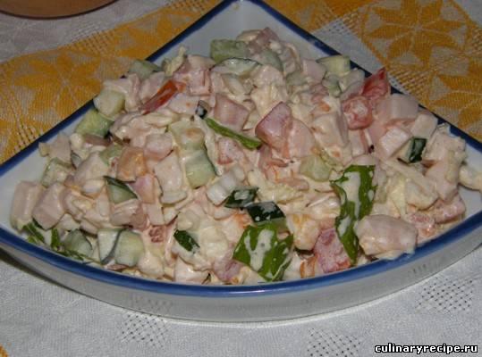 курица сыр сухарики салат