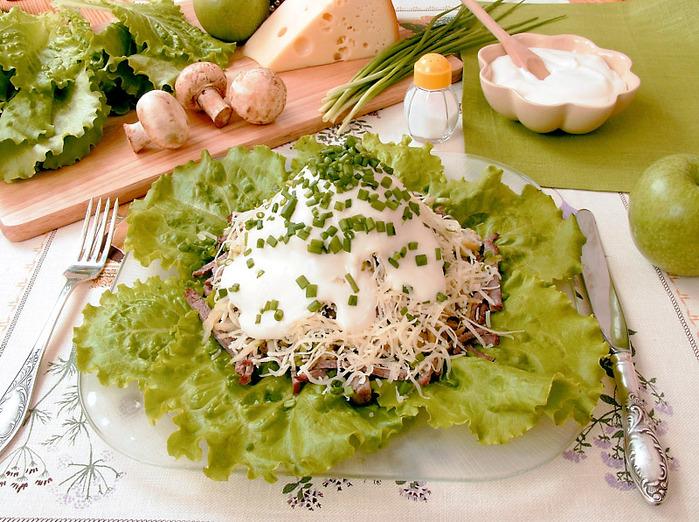 Рецепт мясного салата из свинины