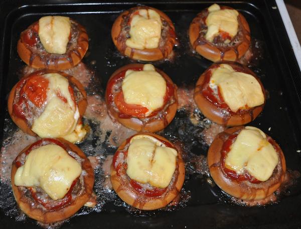 мини пицца из баранок рецепт с фото