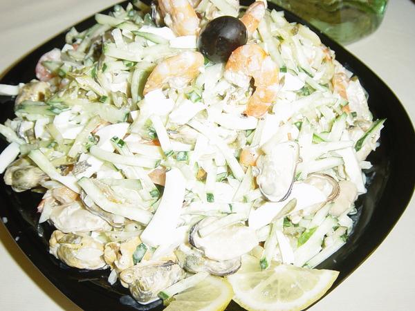салаты коктейли из морепродуктов рецепты