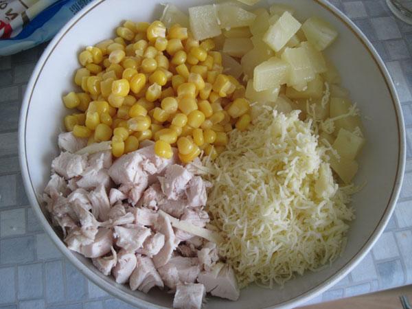 салат из курицы и ананасов рецепт с фото