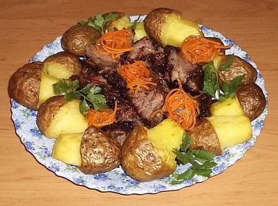 Рецепт булочек с колбасой из слоеного теста с