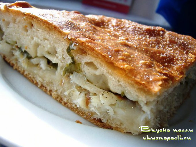 сладкий пирог с вареньем на кефире рецепт с фото