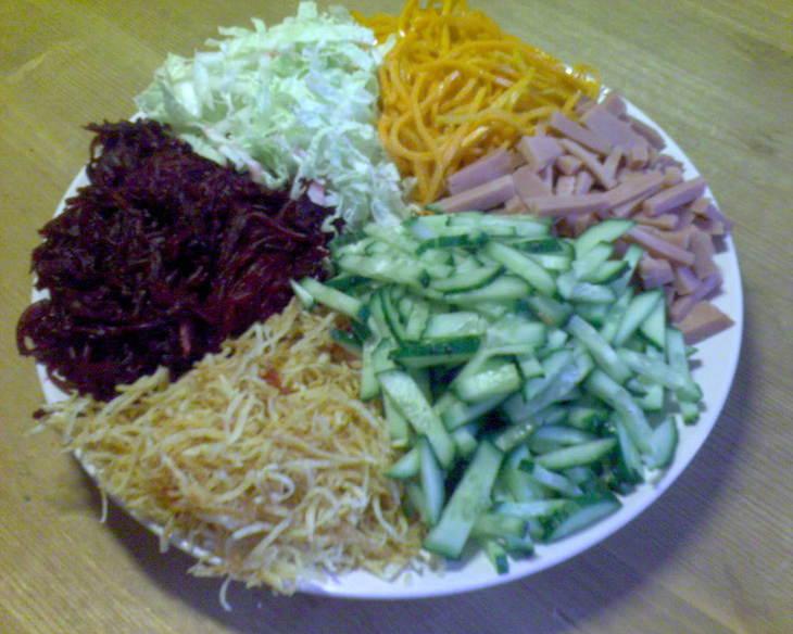 Французский салат рецепт с фото ...: retsepty-s-foto.ru/francuzskij-salat-recept-s-foto.html